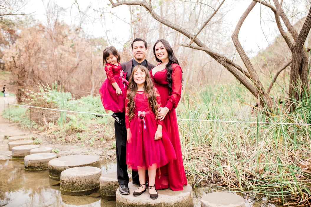 Hernandez Family Session - Santiago Oaks Regional Park - Orange, Ca.