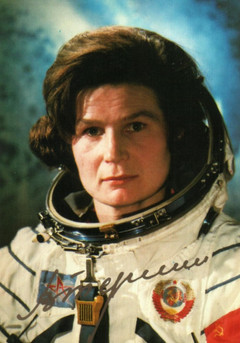16 юни: Валентина Терешкова става първата жена, летяла в Космоса