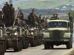 25 юни: България се включва в мироопазваща операция на НАТО в Косово през 1999-а