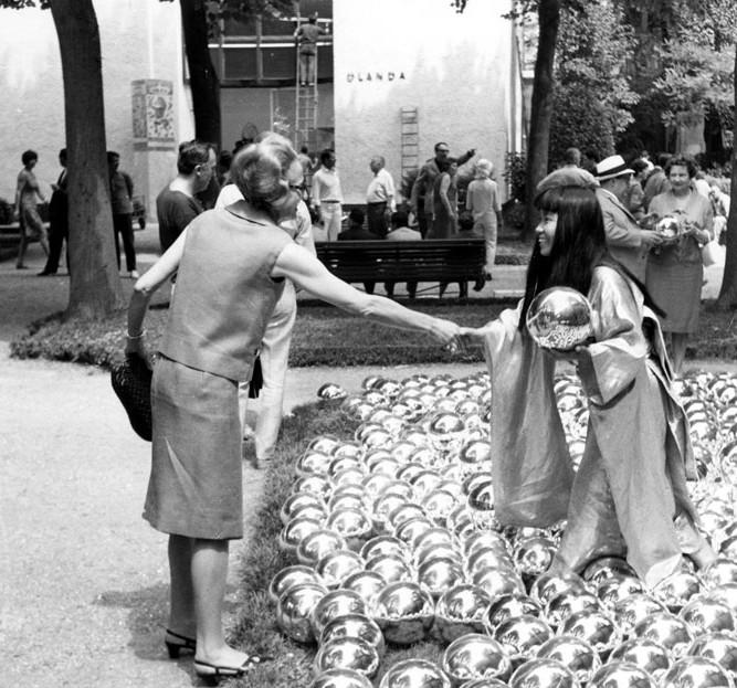 Yayoi Kusama, Narcissus Garden, 1966