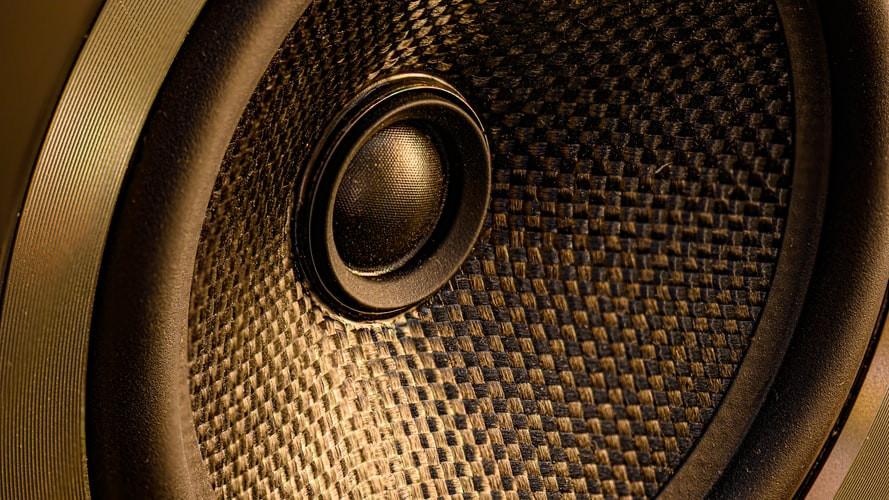 Potencia de un equipo de sonido necesaria para un evento