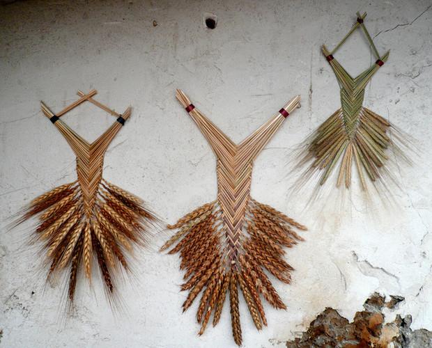 porte-bonheur-ble-tressage-welsh-fan-wheat-weaving-france