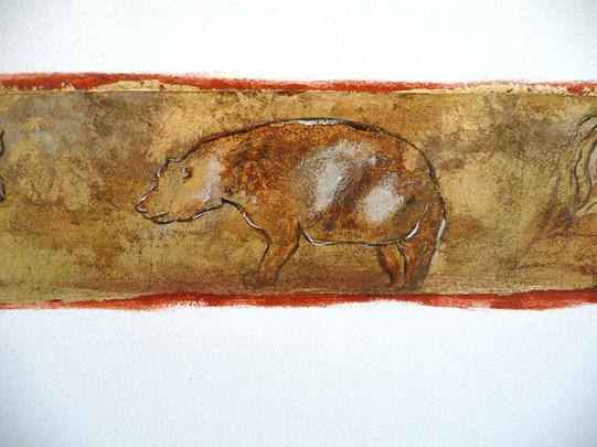 mur-decor-prehistoire-or-cadre-ours.jpg