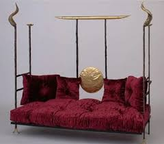 argueyrolles-mobilier-canape-or-cadre