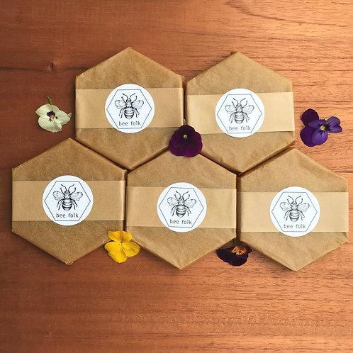 5-9 bee folk blend bar 100g- beeswax, tree resin, coconut oil, jojoba oil each:
