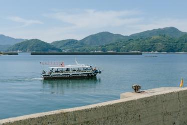 無人島への船