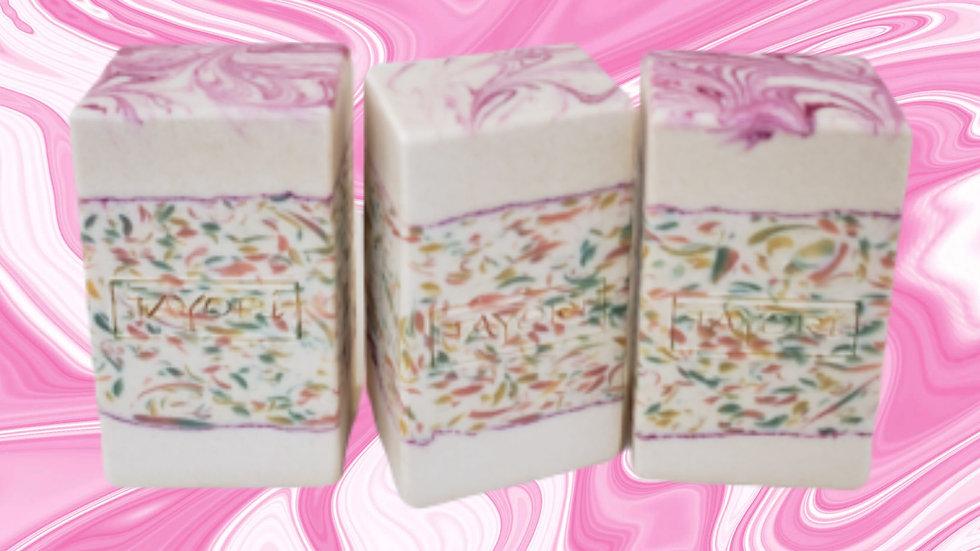 Free & Pretty Bar Soap | 4 oz or 4.5 oz