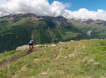 Racing through the Valais mountains - Raid Evolenard