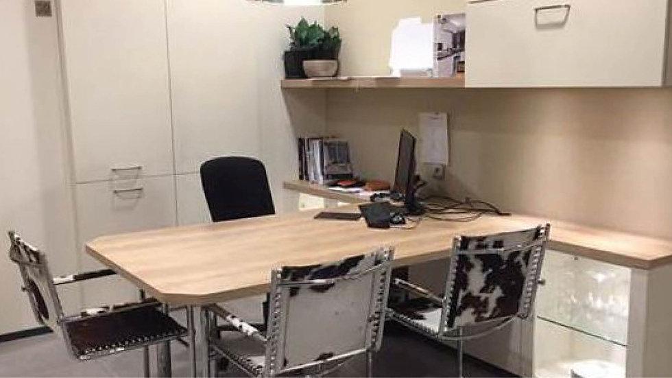 Modern bureau (reeds uitgebroken)