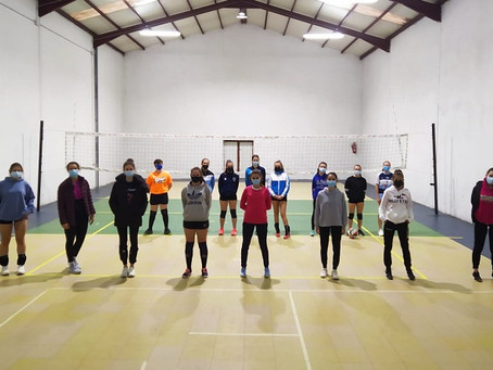 Buena acogida de la iniciativa de voleibol femenino senior promovida por Río Duero Soria