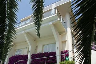 Villa Eze.jpg