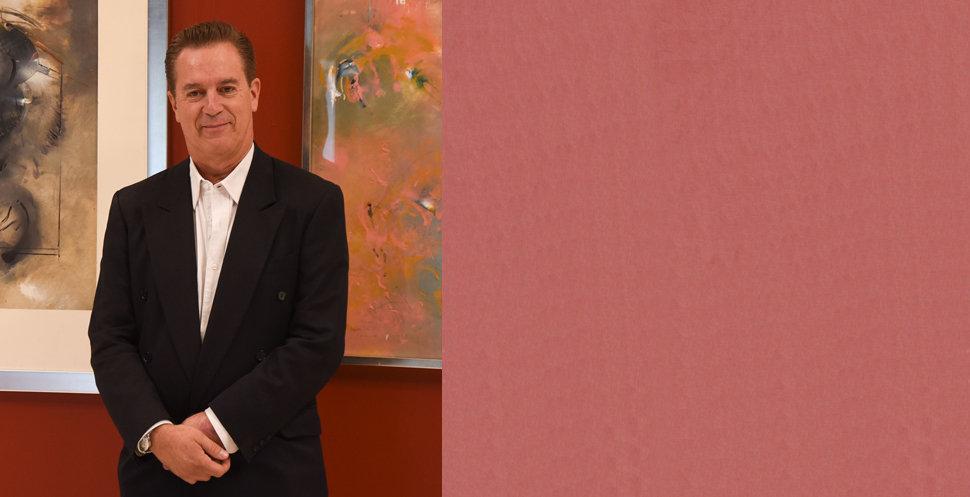 Dr. Ricardo Camacho, Curador de Arte