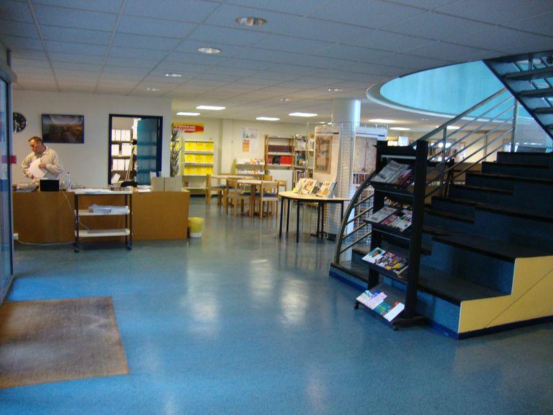 Lycée Charles Péguy - CDI