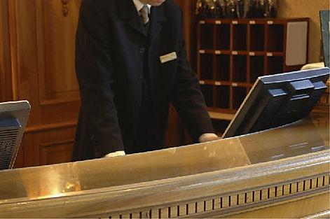 hoteldesk2.jpg
