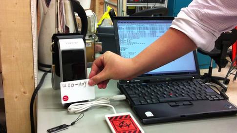 How to hack a Samsung keycard lock