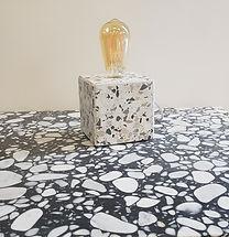 lampe a poser en terrazzo,lampe terrazzo,pied de lampe terrazzo,lame en marbre,