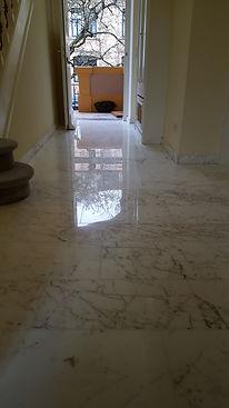 Polissage hall en marbre blanc limpertberg Luxemboug,ponçage marbre limpertberg,poissage sol esch alzette,marbre esch alzette,vente marbre luxembourg,marbrier esch,entrprise specialiser polissage marbre luxembourg,polir escaliers n marbre luxembourg,