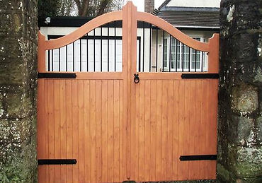 Bespoke Gates link for Morgans Joinery
