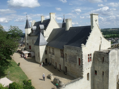 Castillo_de_Chinon_jul_mmxii_06_1.JPG