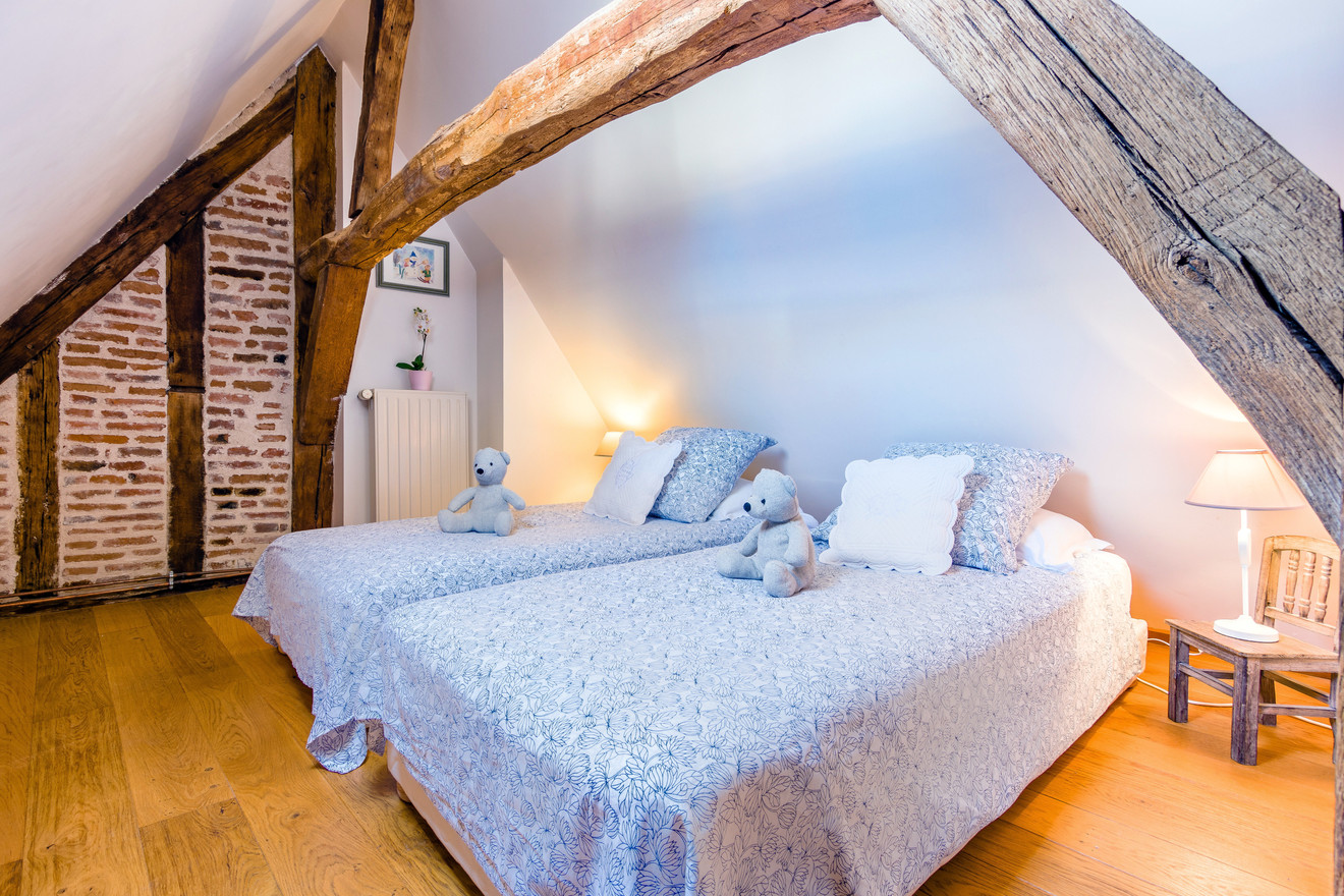 6 people apartment airbnb, hyper center of Amboise Loire Valley with view on the chateau castle, near Chenonceau and Chambord _bedroom3