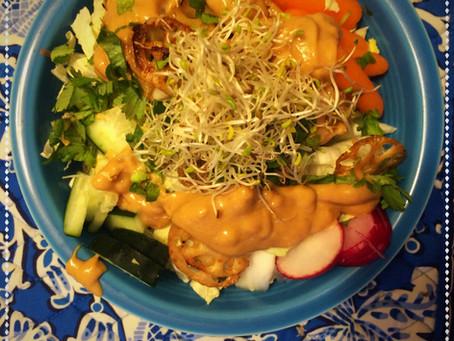 The Rumbly Tummy: Peanut Soba Salad Bowl