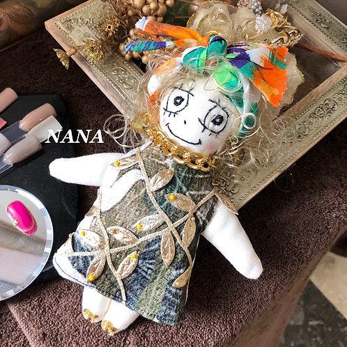 F20004  ドールチャーム NANAちゃん