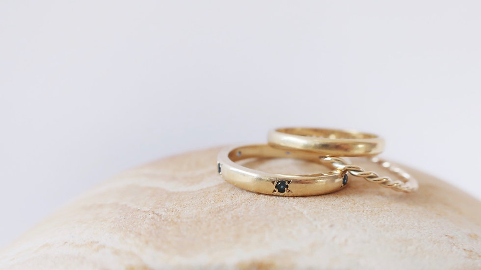 Sapphire and gold band