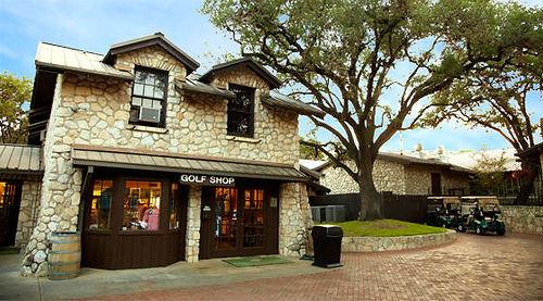 Fair-Oaks-Golf-and-Country-Club-Fair-Oaks-Ranch-TX-proshop-560x310_galleryimage.jpg