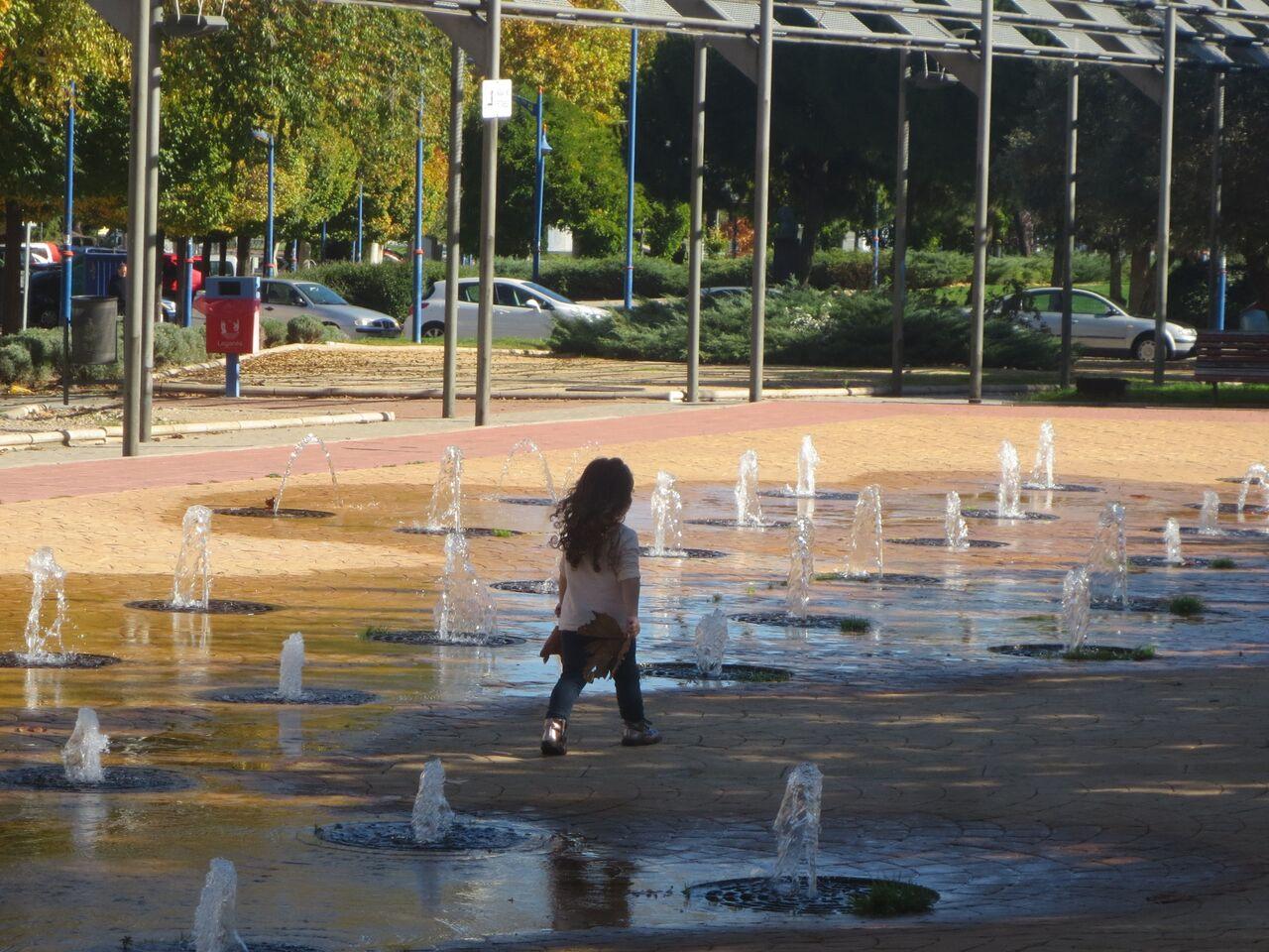 fuente_niña_parque_leganes