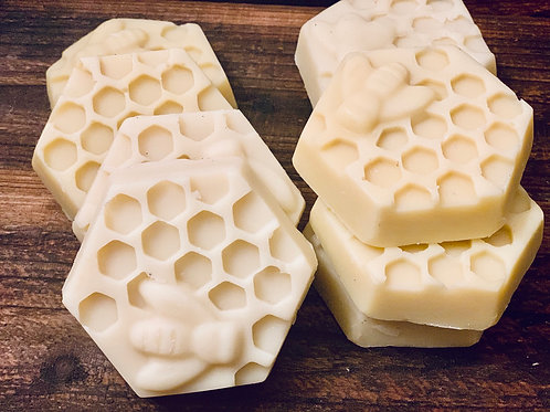 🐝 Beehive lotion bar