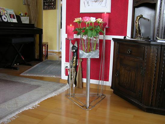 Kerzen- und Blumen-Ständer, tscharly design, 8604 Volketswil, Handwerks-Kunst aus Metall
