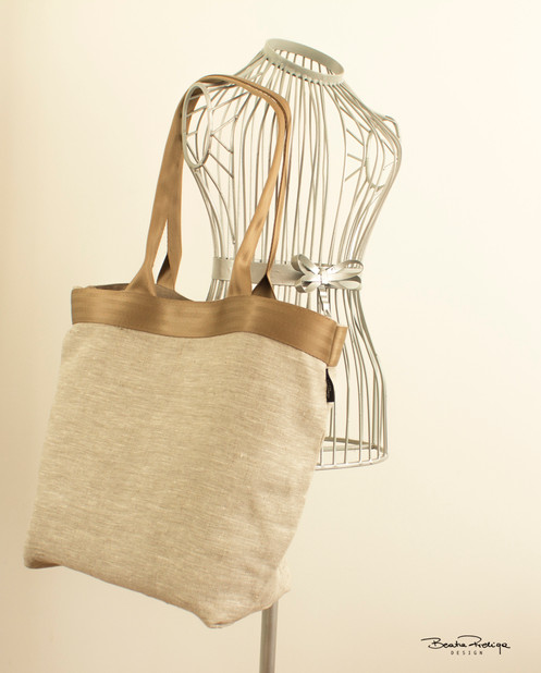 b03c0b1e5580 Lightweight fully lined tote bag / shopper / slouch bag. Front fabric is  100% linen. It's perfect for summer time as a beach bag ,but also for  everyday ...