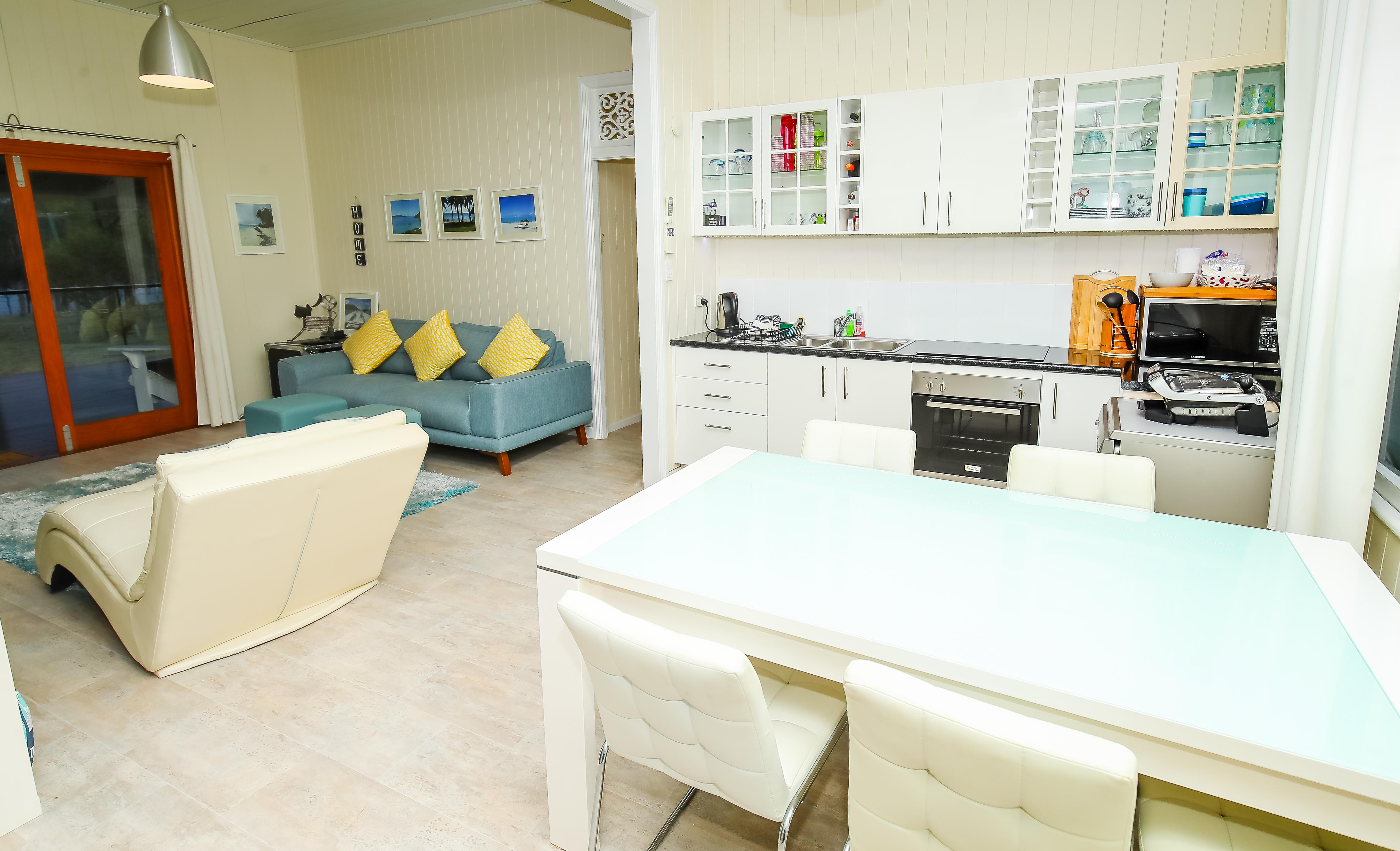 Moogerah Lake House 5 Living Kitchen & Dining