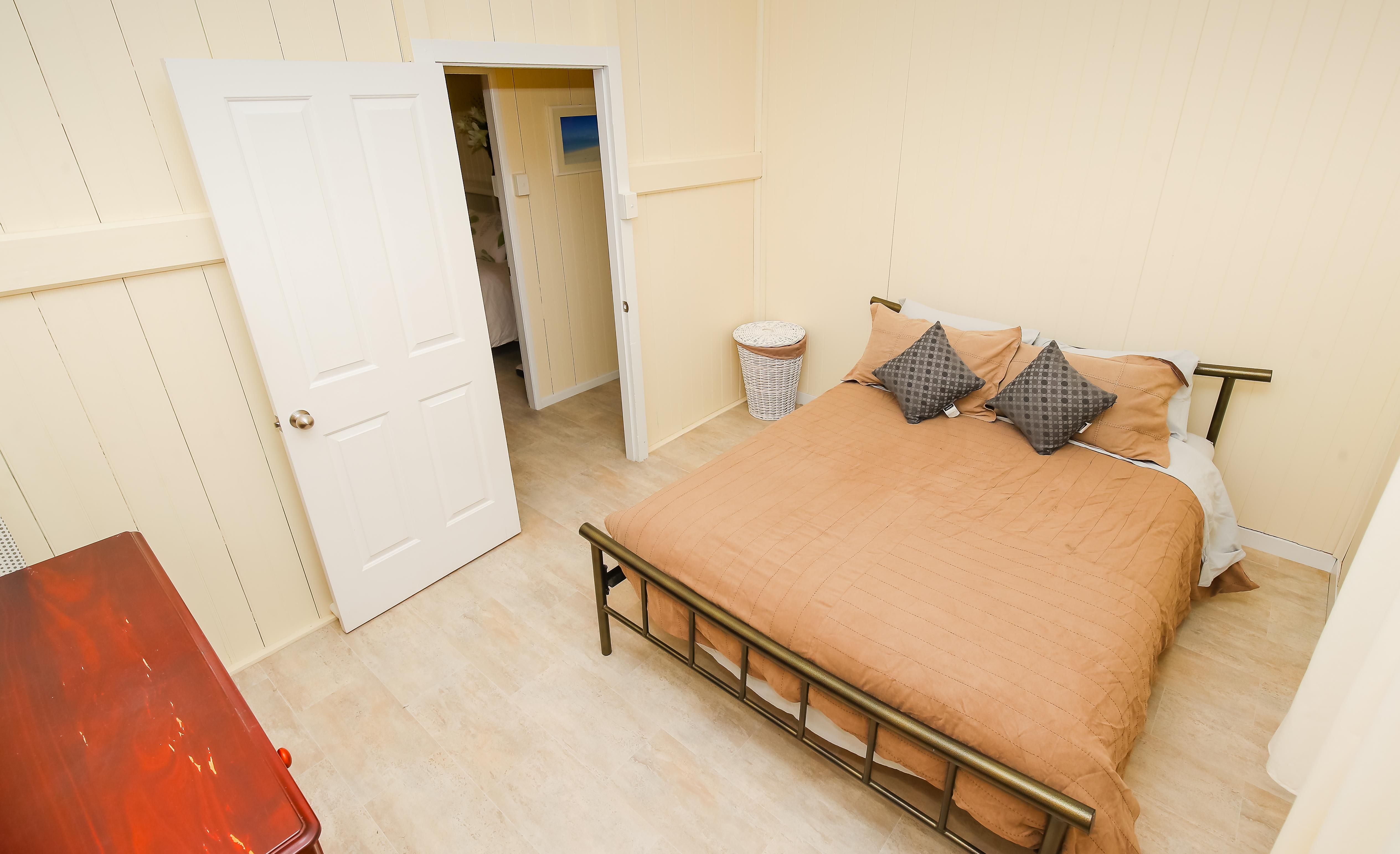 Moogerah Lake House 5 Room 2