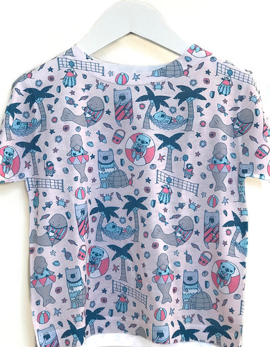 the best beach party tee