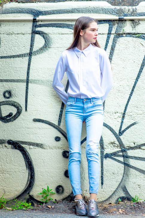 model ; Elika