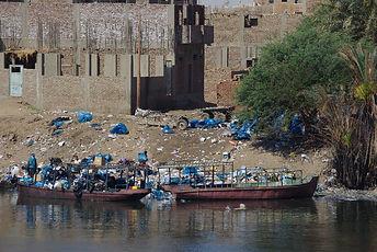 Plastique le long du Nil 2009 IMGP0730.J