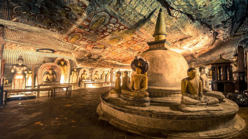 dambulla cave.jpg