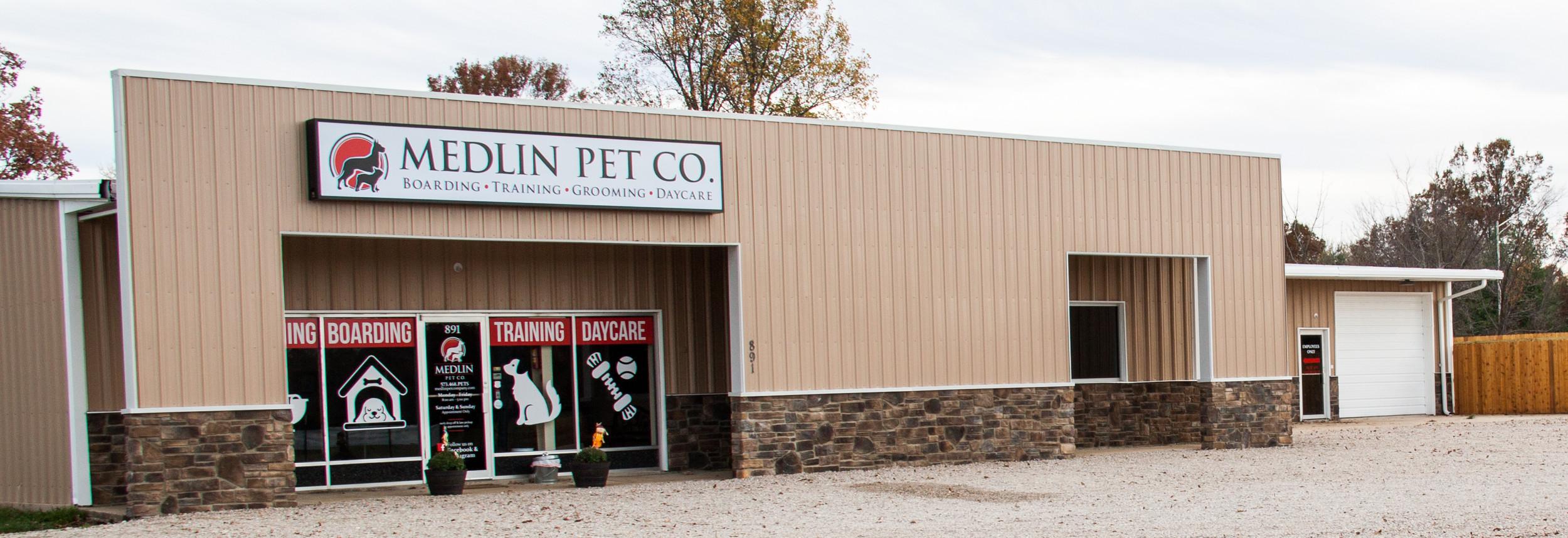 Medlin Pet Company | Boarding, Grooming, Training & Daycare