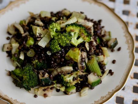 Linsen mit gebackenem grünen Gemüse