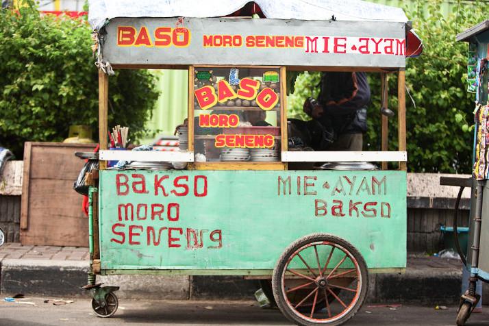 Kaki-Lima (Roving Vendors)