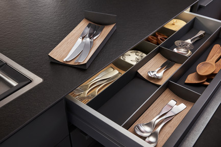 Cutlery drawer accessories
