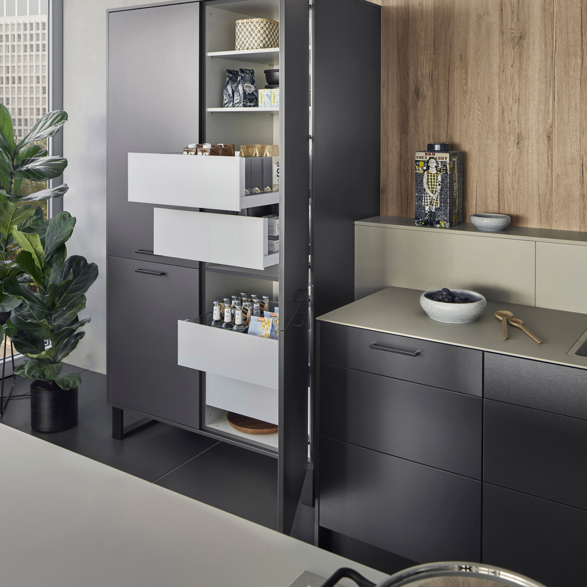 Leicht Metea metallic finish pantry