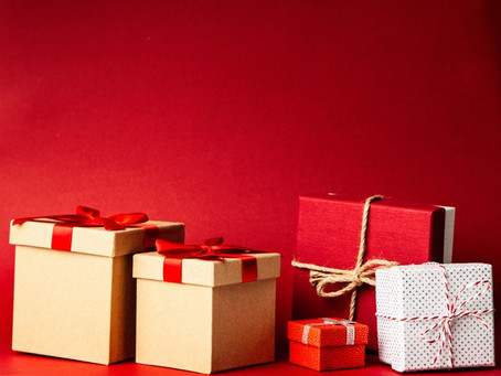 What is an Appropriate Gift for an Agent or Manager?