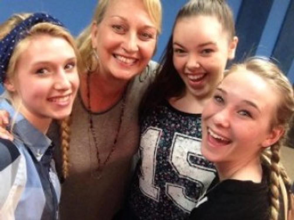 Nicole and Miranda visit Screen Teens