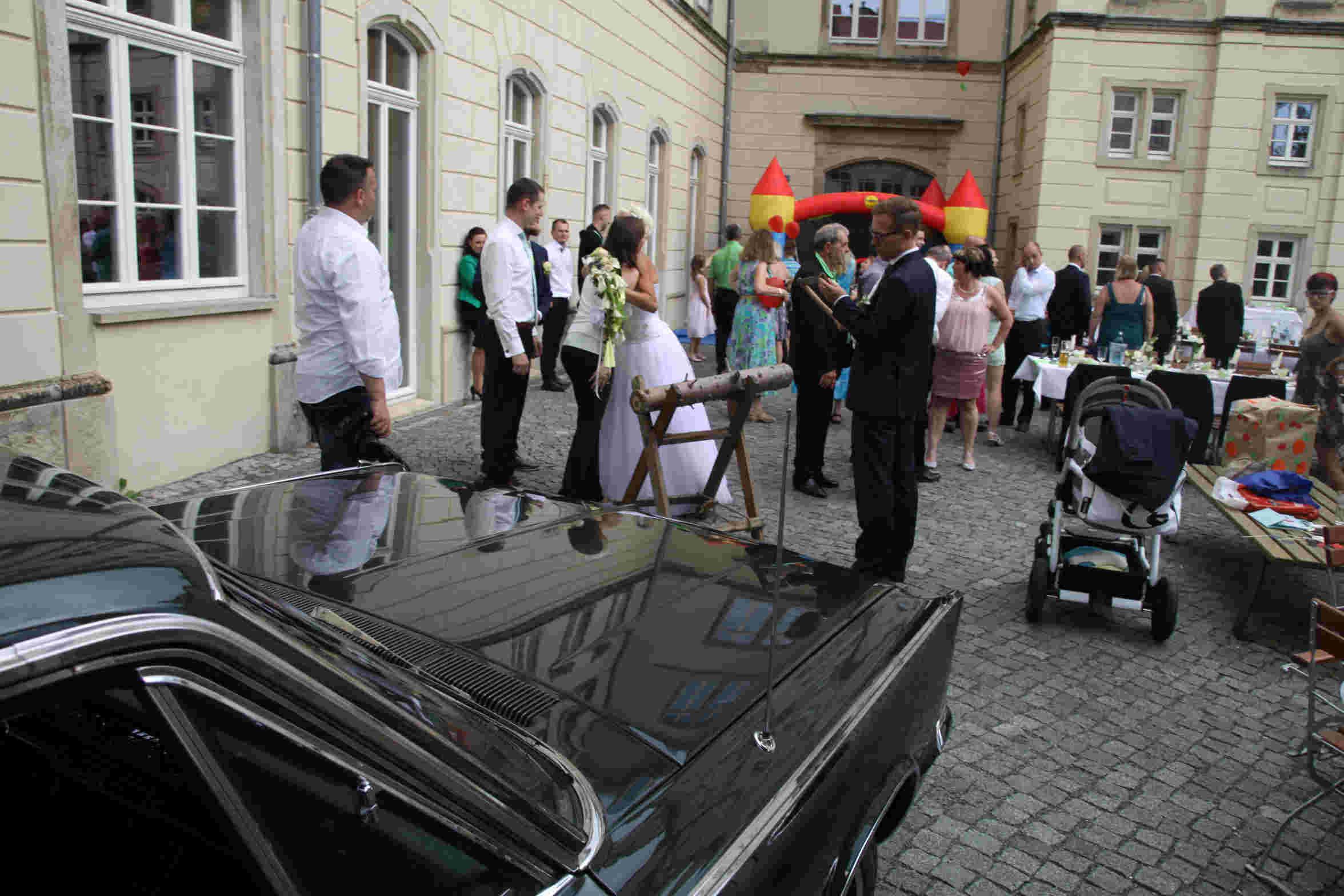 Hochzeitsfeier_im_Außenbereich