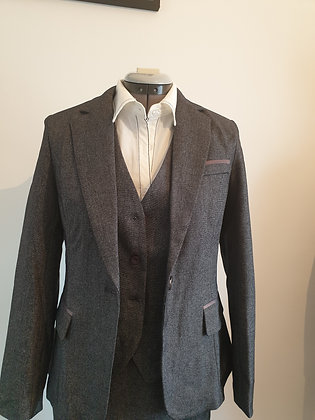 Ladies' grey 4-piece suit set with waist coat, pant and skirt