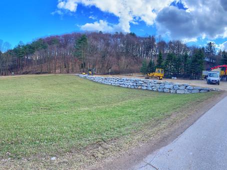85 Tonnen Findlinge für Klosterwald Heiligenkreuz