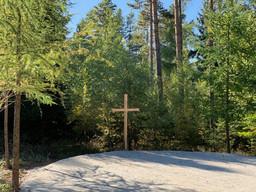 Holzkreuz am Andachtsplatz