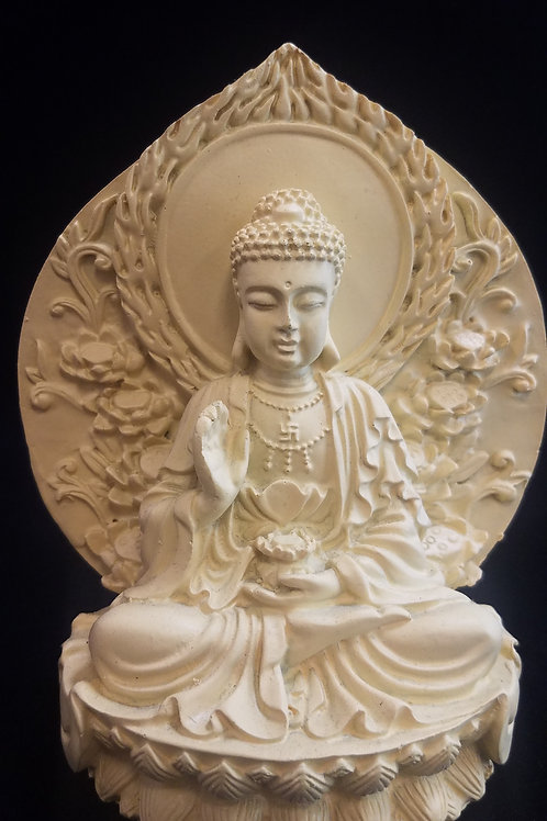 Tan Buddha Ststue